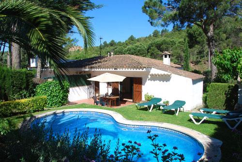 location saisonnière de maisons à Begur. location vacances maison adossée costa brava piscine privée 4 personnes, 2 chambres