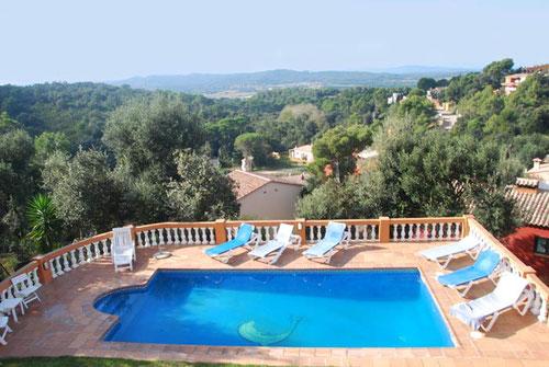 Location de vacances à Begur de maison avec piscine privée pour 8 personnes avec  4 chambres