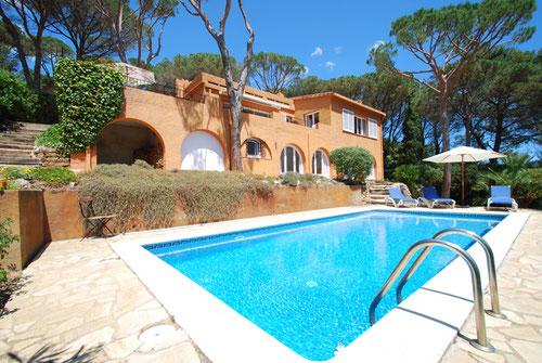 villa avec piscine privée begur.  4 chambres entre begur et tamariu