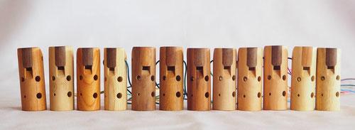 いろいろな木のオカリナ12種