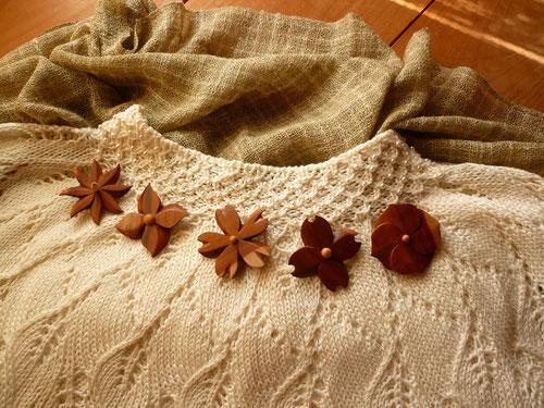 棗の花のブローチ5種