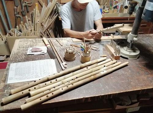 オリジナル横笛(真竹製)LowD管の製作 ~指孔あけ調律~