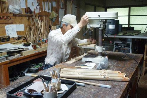 真竹製インディアンフルート製作中