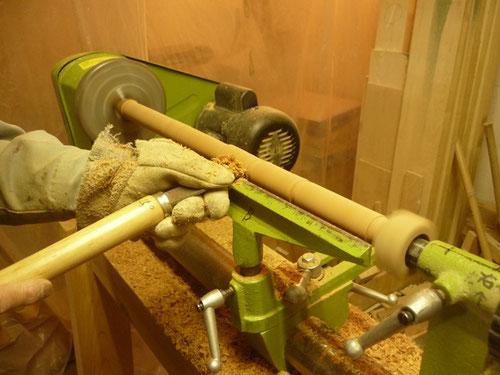 オリジナル横笛(木製管) アメリカンチェリー材 ターニング中