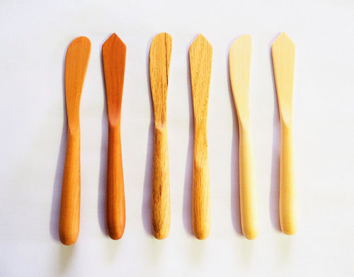 木のバターナイフ 3樹種2デザイン