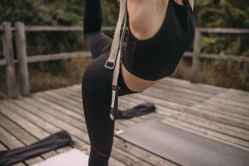 hejhej-bag crowdfunding für die yogamatten tasche die zwei in eins verkörpert: Tasche und Gurt in einem.