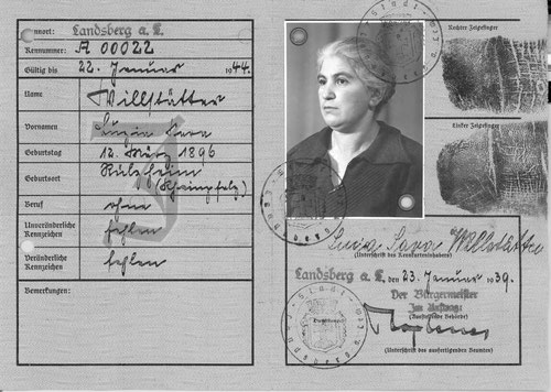 """Luzia """"Sara"""" Willstätter, geb. Cahn, Ehefrau des Viehhändlers Louis Willstätter in ihrem Ausreisepassuis Willstätter"""