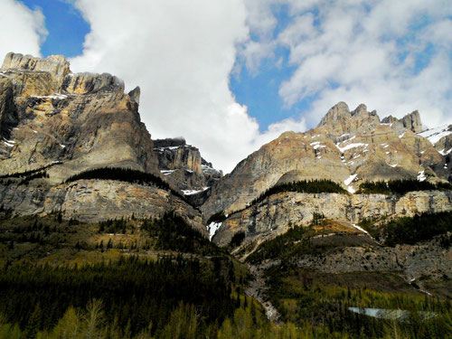 © Winifred. Majestic mountain ranges at the Canadian Rockies that are so breathtaking and spectacular that they induce immense amount of positivity.