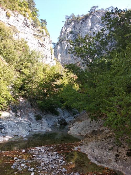 Горная река Аузун-Узень. Остатки воды