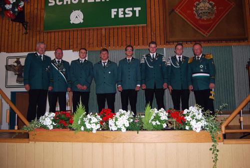 Bernhard Becker (Vorstand), Christian Bambeck (König 2014/2015), Nils Willeke, Jan Lücking, Calvin Schäfers, Hendrik Vollmer, Marcel Kemper und Oberst Hans-Werner Siedhoff