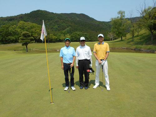 爽やかな風が吹く最高のゴルフ日和にお客様とプレー!!