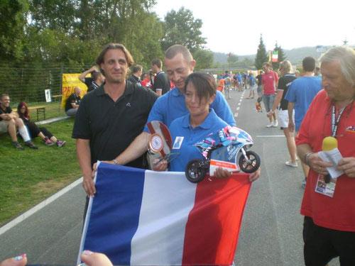 Das schönste Bike bekam auch einen Pokal, Déborah  SERRE / France