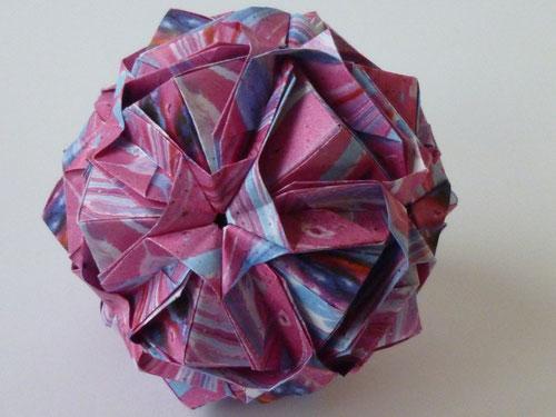 Ishibashi-Ball aus 30 Modulen