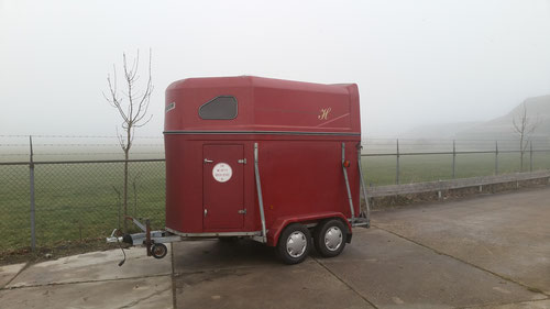 2 paards trailer volledig polyester  2250,-