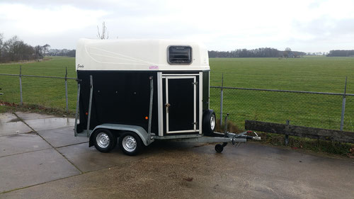 2 paards trailer b.j. 2007  2450,- marge