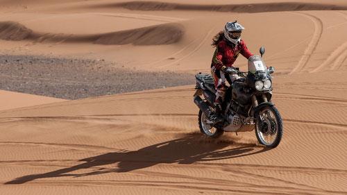 Giulia in azione sulle dune - foto di Francesco Levrini