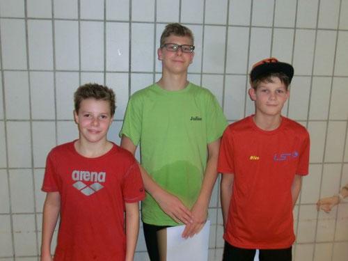 Sieger Julius Söhner, vor Daniel Meng CSC und Nico Wahl TSV Wietze