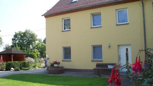 Hofseite mit dem Eingang