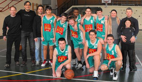 L'équipe 2010-2011 des minimes au complet