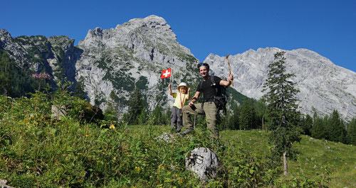Dem Schweizer Nationalfeiertag wurde die Ehre erwiesen. Im Hintergrund Frau und Herr Watzmann.