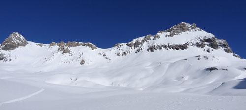 Das Wildstrubelmassiv. Rechts der Gipfel des Grossstrubels.