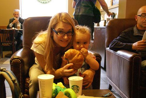 Frühstücken bei Starbucks Coffee