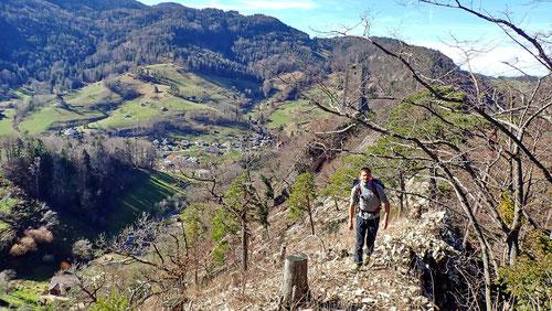 Dominik auf dem Grat kurz nach der Ruine Waldenburg