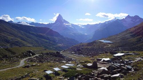 Traumhafte Aussicht vom Berggasthaus Fluealp.
