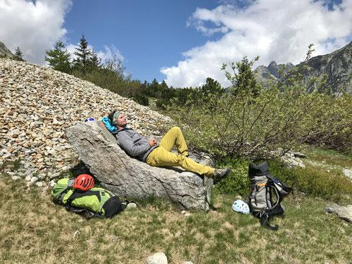 Der ideale Relax-Sessel für die verdiente Entspannung nach dem Klettern.