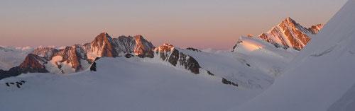 Abendstimmung. Der Ausblick von der Mönchsjochhütte (3657m)