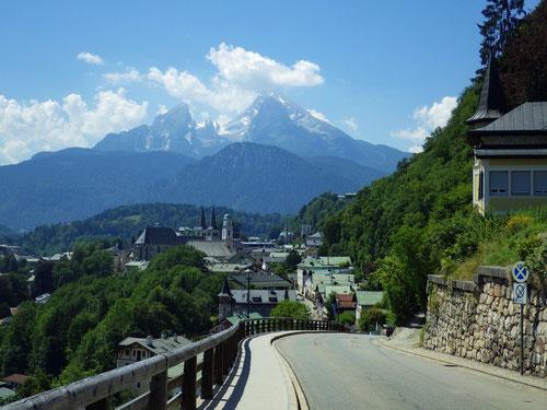 Abfahrt nach Berchtesgaden: Blick auf die Watzmannkulisse.