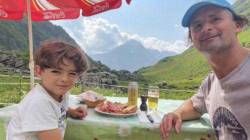 Mittagessen auf der Alphütte Leutschach.