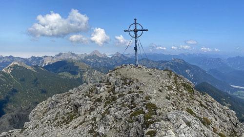 Endlich am Gipfel der Leilachspitze auf 2'274m.