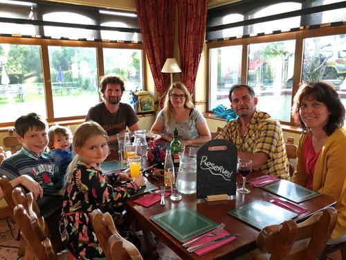 Schweizer unter sich: Abendessen im The Barge Steakhouse