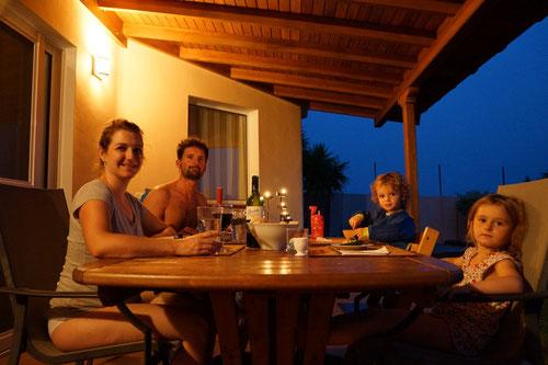 Abendessen auf der Terrasse…