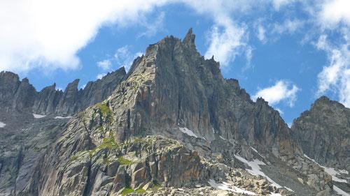 Das Gross Furkahorn mit seiner markanten Gipfel-Felsnadel