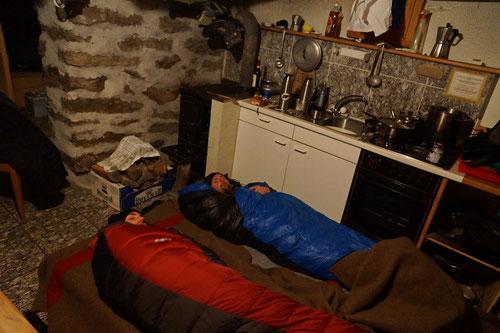 Die kalte Nacht konnte uns in den warmen Schlafsäcken nichts anhaben.