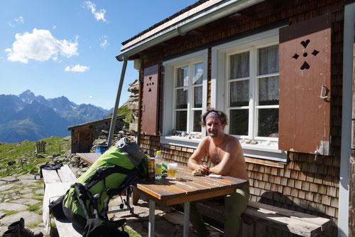 Die Hütte, Aussicht & Sonne für mich allein.