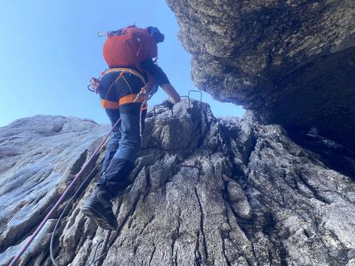 Rauf geht es den Ostegg-Klettersteig