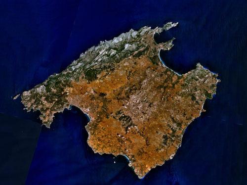 Mallorca von weit oben aus betrachtet.