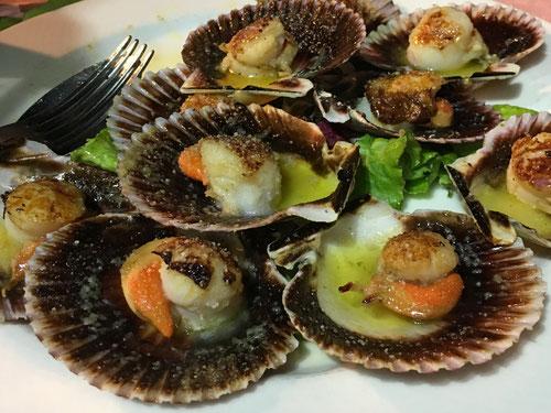 Im Restaurant Carretas gab es neben Jakobsmuscheln auch noch Pulpo, Steak und Entrecôte zum Abendessen.