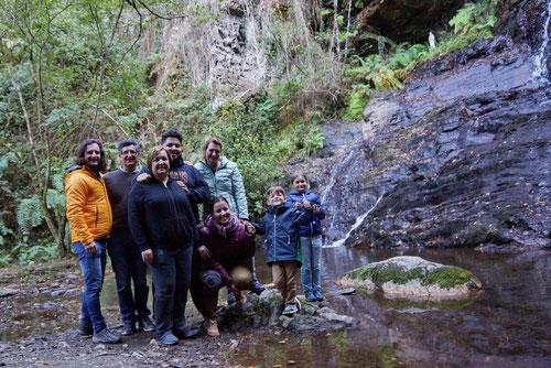 Ein letztes gemeinsames Foto am Wasserfall Santo Estevo do Ermo.