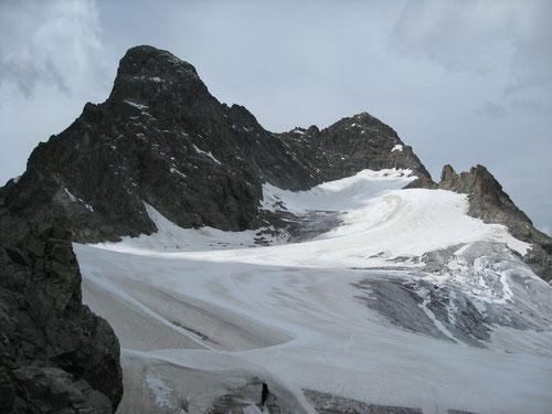 Piz Kesch (3418m) mit Gletscher