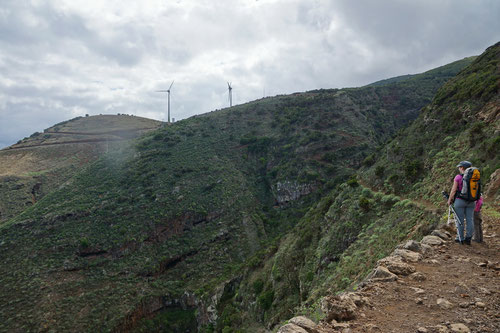 Der Weg führte uns hinauf zu den Windrädern von Juán Adalid.