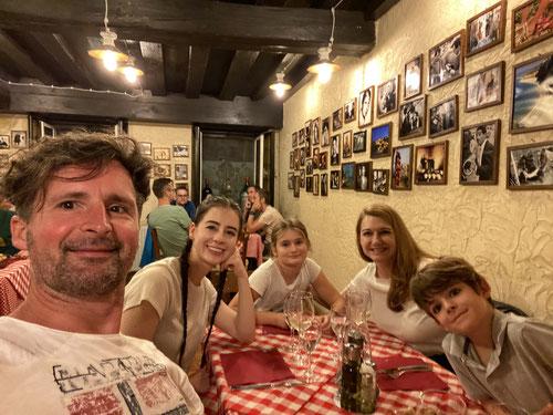 Abendessen mit der Familie in Innsbruck (Trattoria-Pizzeria Due Sicilie)