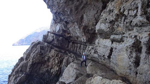 Tanja in der Cueva de los Mayas.