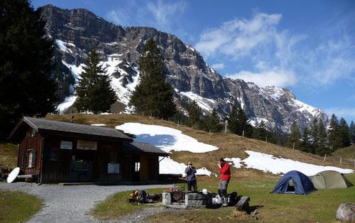 Der Alpincampingplatz bei Matt - ein idealer Ausgangsort.