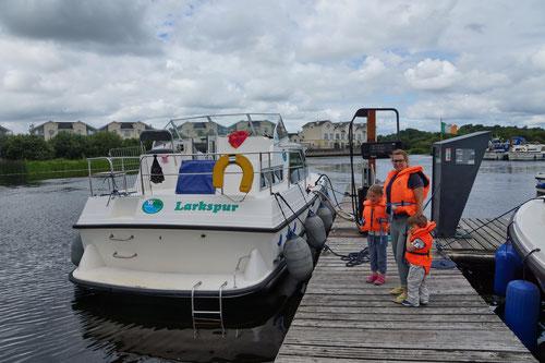 Wir sind am Ende unserer Tour in Carrick-on-Shannon angekommen. Die Larkspur wird neu betankt.