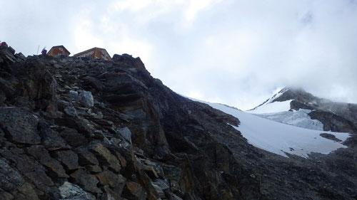 Die Mischabelhütte auf 3329m