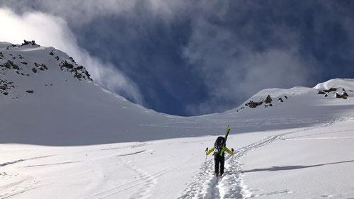Den kurzen Aufstieg zur Gafallenlücke konnten wir in den Skischuhen machen.